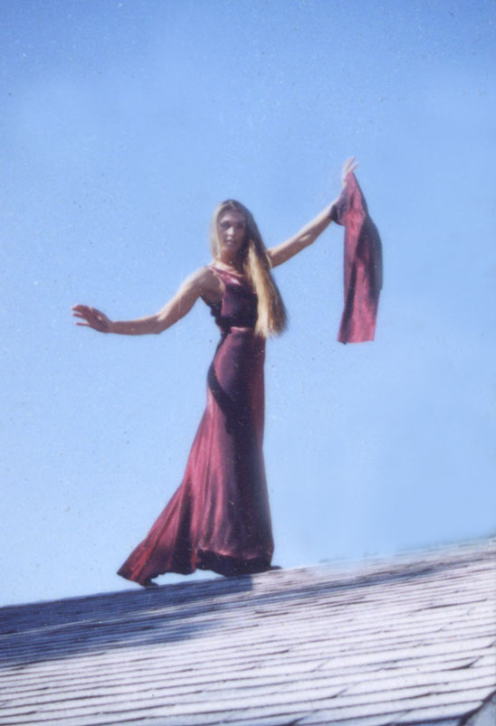 WOMAN IN RED/ROOF - CMT - photography - photo ID# aquawoman CT007